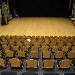 Achteraanzicht tribune theaterzaal - MFC Kloosterhof